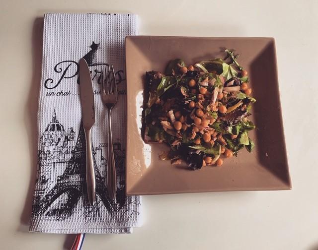 Salade de pois chiche au thon – 4 personnes